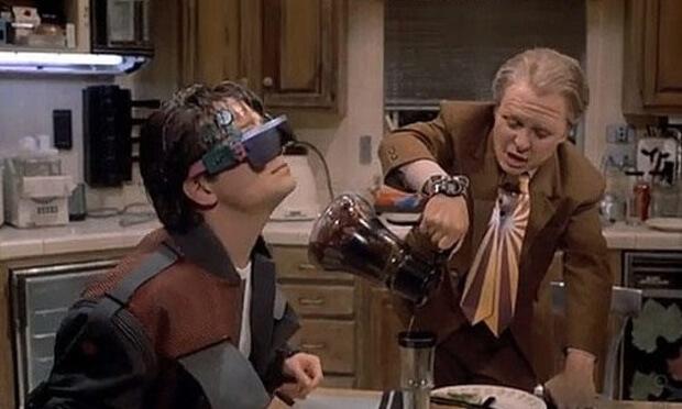 regreso-al-futuro-smartglasses(1)
